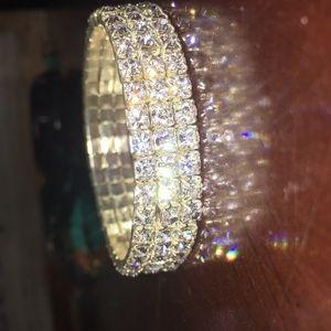 Jewelry - Never worn sliver bracelet